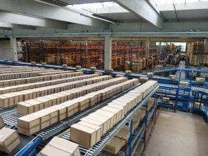 logistics-852935_960_720-300x225